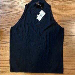 Black Sleeveless light weight  turtleneck. Sz M